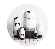 Nesting Dolls Men Folk  Black and White   Matryoshka di SketchInc, £65.00