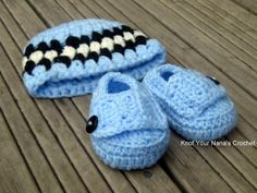 Knot Your Nana's Crochet: Crochet hat and booties set