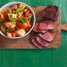 Steak mit Tomaten-Brot-Salat Rezept - [ESSEN UND TRINKEN]