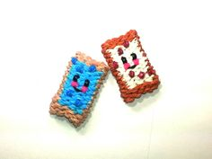 3-D Happy Pop Tart Tutorial (Rainbow Loom). I want a real pop tart now haha. Her new technique is great! It's so cute.