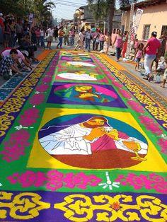 """Honduras presenta """"Las Cinco Maravillas de Comayagua""""/Las famosas alfombras de Comayagua en Semana Santa"""