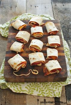 Easy Homemade Pizza Rolls -- Perfect and pizza creation with Don Pepino - donpepino.com #pizza #pizzarolls #foodforkids