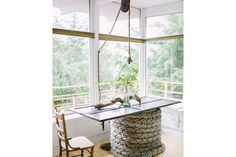 Top notch table! With thick boat rope and wooden top?