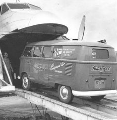 Swedish vintage VW bus of the day #3: Atlas Copco bus going on a trip.