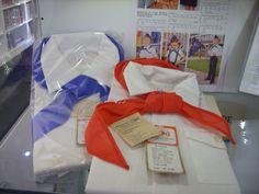 Bluse und Halstuch für Jungpioniere und Thälmannpioniere