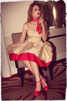 Pin up dress. Pin Up Outfits, Pin Up Dresses, Pretty Dresses, Vintage Girls, Vintage Outfits, Vintage Fashion, 1950s Women, Feminine Dress, Weekend Style