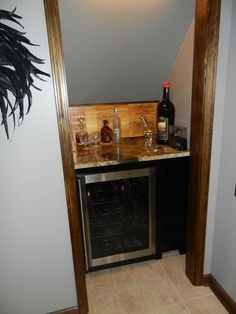 Super small closet under stairs wet bars 48 ideas Bar Under Stairs, Closet Under Stairs, Space Under Stairs, Under Stairs Wine Cellar, Easy A, Stair Storage, Closet Storage, Storage Area, Wine Storage