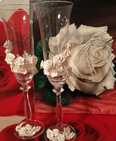 How to DIY Wedding Champagne Glasses with Polymer Clay Roses - Cool Creativity
