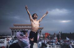 Manifestation d'étudiants, place Tian'anmen, Pékin, 26 mai 1989 © Stuart Franklin, Magnum Photos