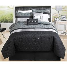 Hometrends Geo Mesh Bedding Comforter Set..gotta get a new comforter for the full size bed!