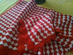 Copertina in lana fatto a mano ... Uncinetto ..