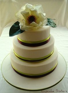 green wedding cakes food-that-means-something