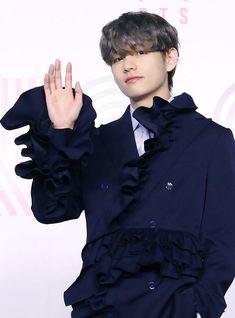Jin, Actors Height, Daegu South Korea, Stars Tonight, K Pop Boy Band, V Taehyung, I Love Bts, Record Producer, Taekook