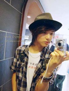 Kang Min Hyuk: Facts : #7 He takes killer selcas // Minhyuk always carry his camera and takes pictures wherever he goes. He said this is a present from a fan. Minhyuk revealed in order to get familiar with the camera; he did a lot of practice in private. Selcas are posted randomly on the CNBlue dorm's wall.