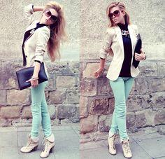 Zara Blazer, Pull & Bear Mint Jeans, Bershka Clutch, Shoe Aquarium Booties, Zara Necklace, Parfois Bracelets