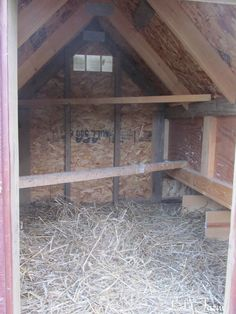 inside has 8 nesting boxes, roosts for night, vent for circulation Keeping Chickens, Raising Chickens, Easy Chicken Coop, Chicken Ideas, Down On The Farm, Nesting Boxes, Small Farm, Chickens Backyard, Outdoor Furniture