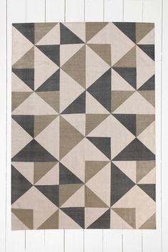 Webteppich mit grauem Dreiecksmuster, 5 x 7 Fuß