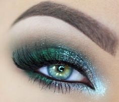 Bold green glitter eyeshadow #eyes #eye #makeup #bright #dramatic #glitter