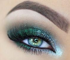 Bold green glitter eyeshadow #eyes #eye #makeup #bright #dramatic #glitter
