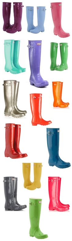 "A lot of people consider hunter boots as ""winter wear"". Myself personally, consider them as ""April showers brings may flowers"" boots. They are the perfect rain boots! Estilo Fashion, Look Fashion, Autumn Fashion, Womens Fashion, Cute Shoes, Me Too Shoes, Shoe Boots, Ankle Boots, Over Boots"