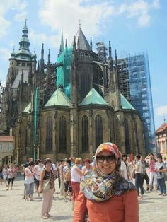 #summerday #prague #czechrepublic #europe #hijabchic #hijab #marcjacobsglasses #zarahijab