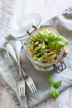Asparagus Pasta Salad // chocochili.net