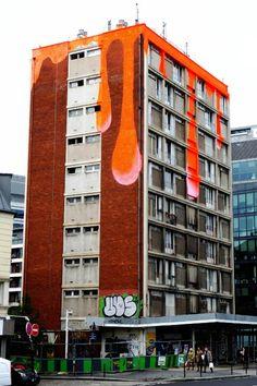 Paris 13 - 11 quai Austerlitz - street art - reminds me a bit of the Lion Art Centre in Adelaide (http://instagram.com/p/VyLWfjNVmP/)