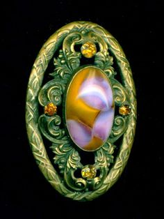 Antique Button...Big Beautiful Oval Gay 90