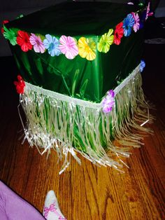 Luau card box