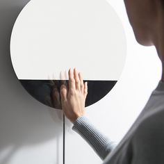 Enjoy the magnificence of a wall-mounted speaker capable of withstanding gesture control by installing this Osound Bluetooth Speaker from Digital Habit(s) indoors.