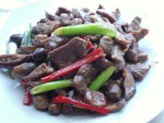 Thai Stir Fry Beef In Oyster Sauce Recipe (Neur Pad Num Mun Hoy)