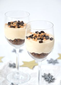 No bake chocolade-karamel cheesecakejes - Lauras Bakery No Bake Desserts, Delicious Desserts, Dessert Recipes, A Food, Good Food, Food And Drink, Dutch Recipes, Sweets Cake, High Tea