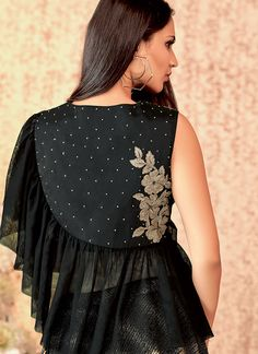 Get exclusive collection and best offers to buy online designer lehenga choli. Buy this fashionable embroidered work trendy designer lehenga choli. Choli Blouse Design, Choli Designs, Kurta Designs Women, Salwar Designs, Kurti Designs Party Wear, Stylish Blouse Design, Fancy Blouse Designs, Blouse Neck Designs, Frocks And Gowns