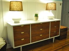 Mid-Century Modern dresser redo - only painted the frame and legs white, keeping much of the original color in tact. Great idea!