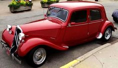 Vintage Bikes, Vintage Cars, Antique Cars, Peugeot, Art Deco Car, Citroen Traction, Traction Avant, Citroen Car, Car Car