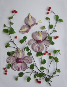 Identifying Berries and Shrubs in Garden Art - Food Carving Ideas L'art Du Fruit, Fruit Art, Fruit Cakes, Art Floral, Art Du Pain, Veggie Art, Veggie Food, Bread Art, Creative Food Art