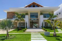 70 Trendy Ideas for house beach architecture facades Bungalow Haus Design, Modern House Design, Villa, Future House, My House, Style At Home, Luxury Homes Dream Houses, House Entrance, Facade House