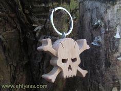Porte-clés Crâne / tête de mort pirate en chantournage