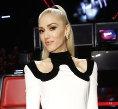 Gwen Stefani Tears Up During Performance of New Breakup Song on 'The…