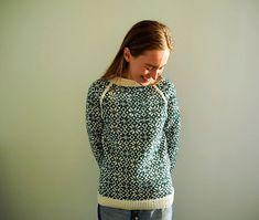 Ravelry: Vendelas Rosegenser pattern by By Vendela Polka Dot Top, Ravelry, Diy And Crafts, Turtle Neck, English, Pullover, Knitting, Blouse, Long Sleeve