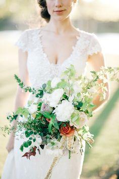 Romantic + rustic bouquet  #weddingbouquet