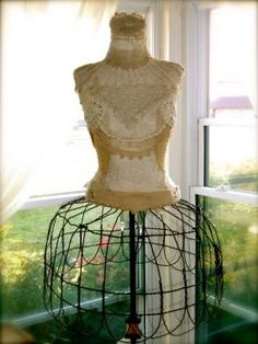Look at the wire form. Pretty soon you could have the whole mannequin. I kinda like it! Mannequin Art, Dress Form Mannequin, Vintage Mannequin, Old Dresses, Vintage Dresses, Vintage Outfits, Vintage Corset, Fru Fru, Textiles
