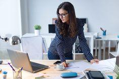 V týchto krajinách majú ženy najlepšie podmienky na podnikanie - Akčné ženy Leadership Qualities, Young Women, Royalty, Stock Photos, Female, Casual, Beautiful, Collection, Laptop