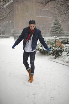 Winter is a great time to step up your personal style. Enjoy our collection of men& winter outfits to help you stay stylish while out in the snow. Winter Outfits For School, Casual Winter Outfits, Winter Fashion Outfits, Look Fashion, Fashion Black, Fashion Ideas, Fashion Inspiration, Fashion Updates, Snow Day Outfit