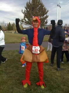 Running the Central Oregon Thanksgiving Classic in a turkey suit. No biggie.  #howtobend