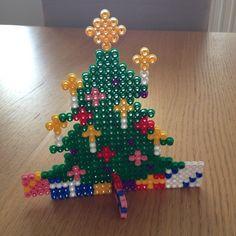 Christmas tree hama beads by Pia Lindehoej