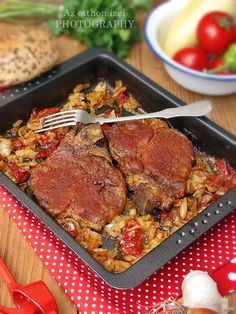 Az otthon ízei: Lecsós tarja tepsiben Meat Recipes, Cooking Recipes, Torte Cake, Hungarian Recipes, Eating Well, Nutella, Grilling, Pork, Food And Drink
