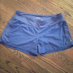 Lululemon shorts sz 8 Excellent condition. lululemon athletica Shorts