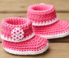 Instagram. PICTURE ONLY for inspiration. Crochet baby booties.