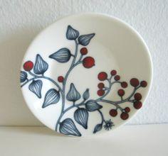 Arabia Finland Frost Berry plate 11,5 cm, decoration Heini Riitahuhta